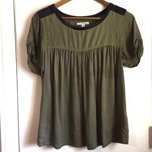 American Eagle Outfitters Green & Black Top Size M